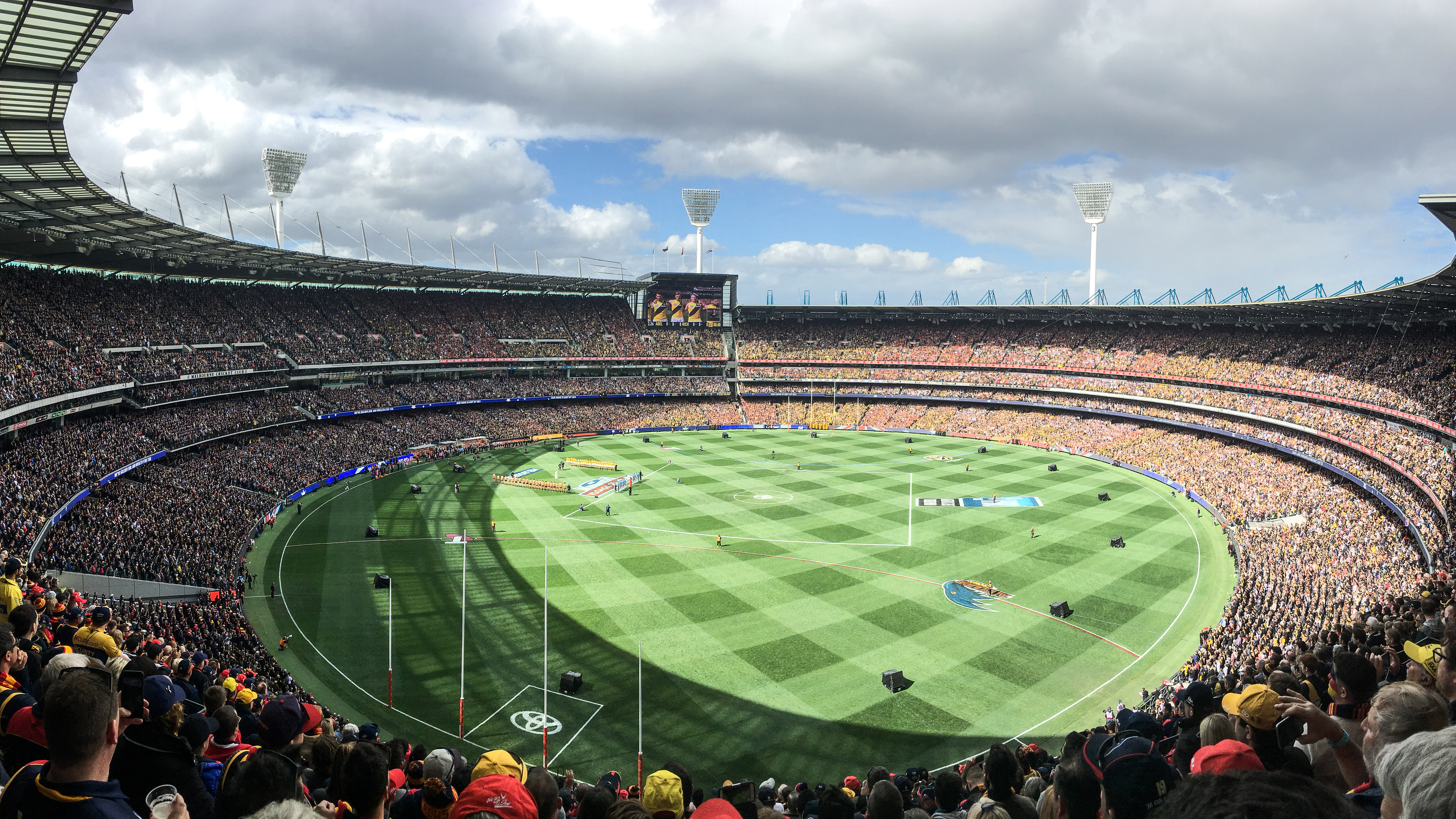 A wide view of the Melbourne Cricket Ground at a Richmond Tiger home game
